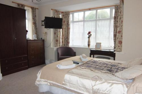 The Monsell Hotel - Photo 8 of 39
