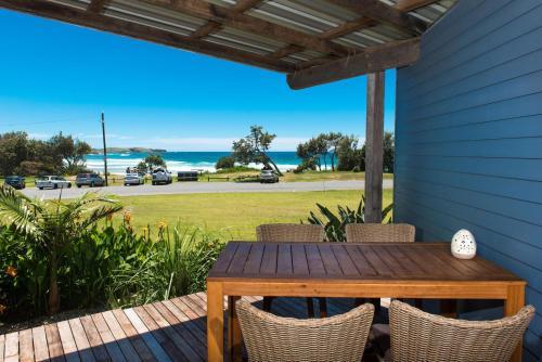 . ArtHOUSE Beachfront Accommodation