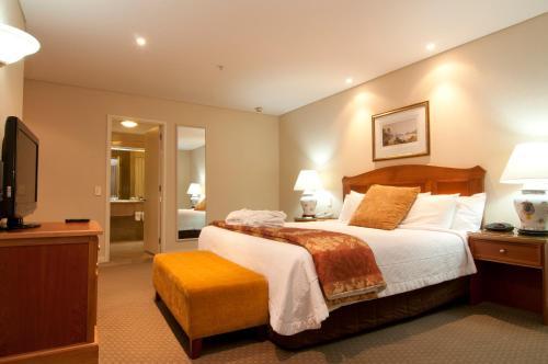 32 Frankton Road, Queenstown, 9300, New Zealand.