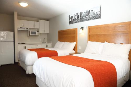 Chateau Motel - Edmonton, AB T6W 1A1