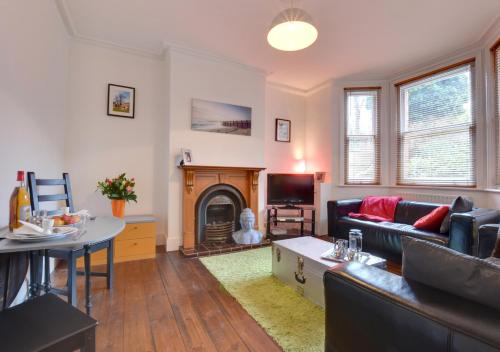 . Dunstan Garden Apartment