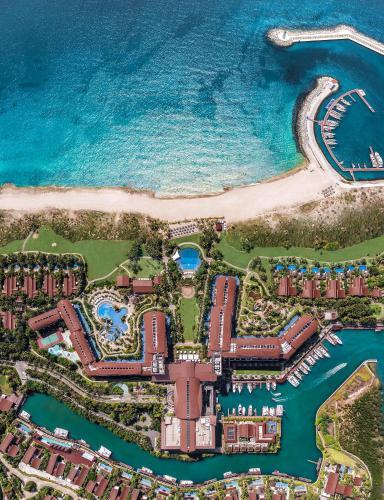 The St. Regis Sanya Yalong Bay Resort – Villas