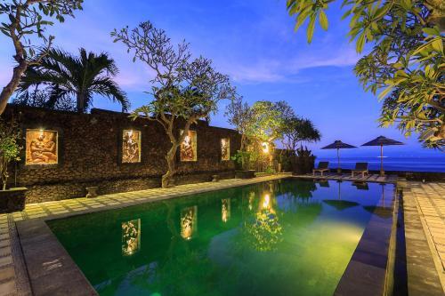 . Alam Candi Dive Resort