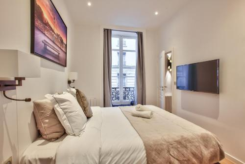 64-LUXURY FLAT CHAMPS ELYSEES (1D) photo 7