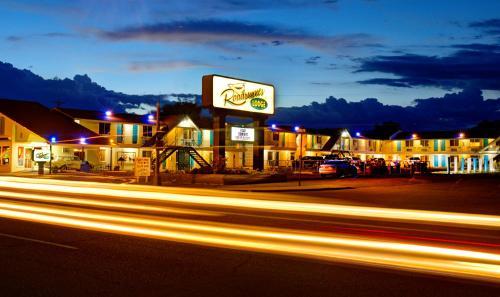 . Roadrunner Lodge Motel