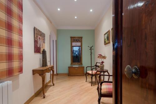 Sagrada Familia - Gaudi Apartment photo 4