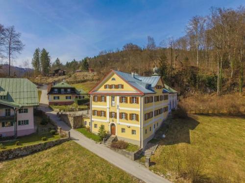 Ferienwohnungen Schloss Fürstenstein - Apartment - Berchtesgadener Land