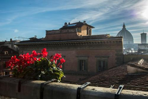 Piazza Santissima Annunziata 3, 50122 Florence, Italy.