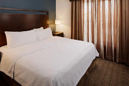 Homewood Suites by Hilton Manchester/Airport - Hotel - Manchester
