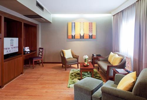 Twin Towers Hotel photo 15