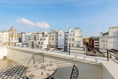 130 Queen's Gate Apartments a London