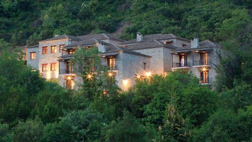 . Rouista Tzoumerka Resort