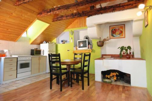Apartments and rooms with WiFi Dubrovnik - 9071, Pension in Dubrovnik