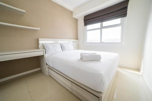 . Cozy 1BR Apartment @ Parahyangan Residence By Travelio
