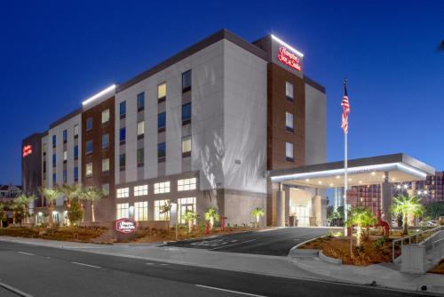 Hampton Inn & Suites Irvine/Orange County Airport - Hotel - Irvine