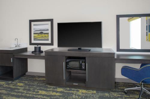 Hampton Inn & Suites Irvine/Orange County Airport in Irvine