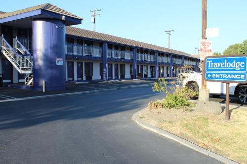 Travelodge by Wyndham Buena Park Hotel in CA