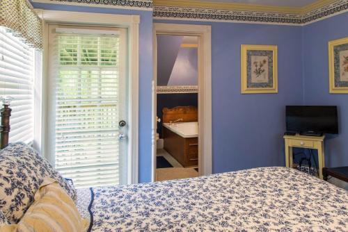 Hidden Springs Bed And Breakfast