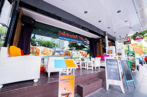 Triple 8 Inn Bangkok photo 40