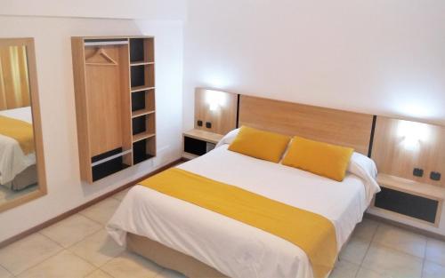 Apartamentos Mendoza - Accommodation