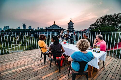 . Once Artistic Inn Luoyang
