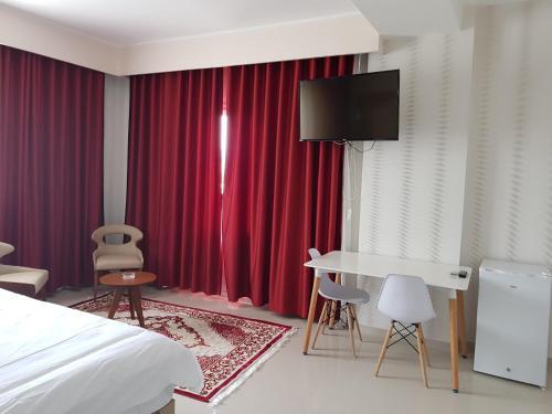Hotel carre bleu, El Milia