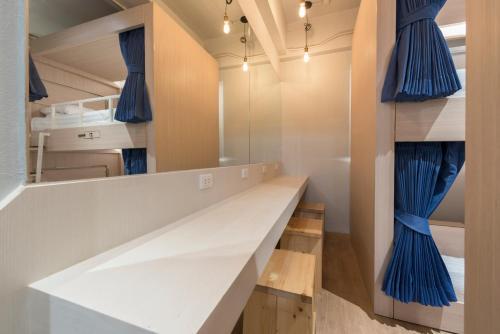 Kinnon Deluxe Hostel Coworking Cafe photo 28
