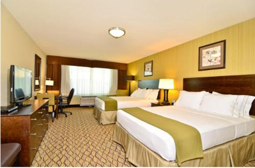 Holiday Inn Express Hotel And Suites Williston