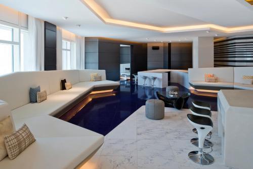 V Hotel Dubai, Curio Collection by Hilton photo 32