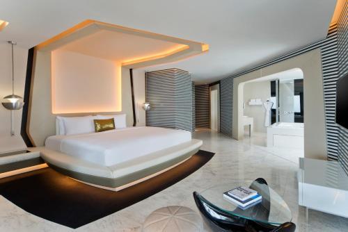 V Hotel Dubai, Curio Collection by Hilton photo 11