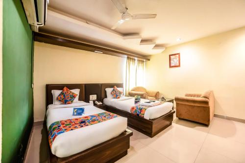 Oyo Townhouse 045 Red Hills Hyderabad Hyderabad Book Your Hotel