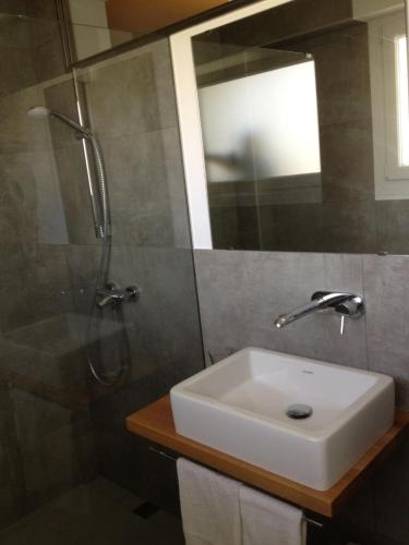 Double or Twin Room Hostal La Palma 18