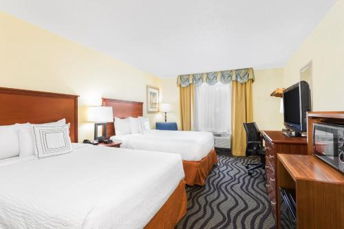 Baymont By Wyndham Savannah Midtown - Savannah, GA 31405