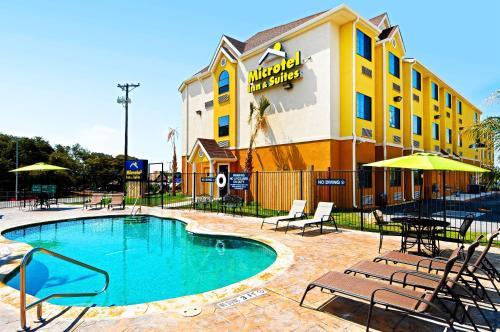 Microtel Inn & Suites by Wyndham New Braunfels I-35