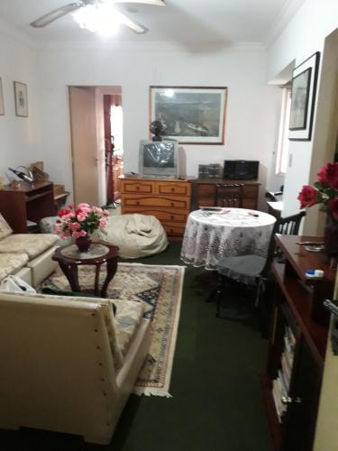 Apartamento mobiliado sala quarto cozinha ar condicionado (Photo from Booking.com)
