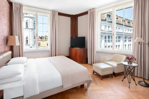 Am Hof 2, Vienna, 1010, Austria.