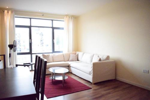 Modern 2 Bedroom Apartment In Limehouse