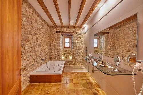 Double Room with Terrace - Annex - single occupancy Cas Comte Suites & Spa - Adults Only 6