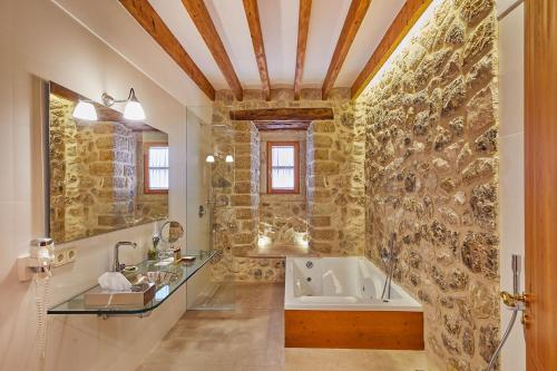 Double Room with Terrace - Annex - single occupancy Cas Comte Suites & Spa - Adults Only 12