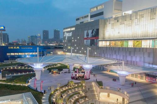 Suria KLCC, PETRONAS Twin Towers, KL Tower, TRX view @ Sunway Velocity Homestay, Kuala Lumpur