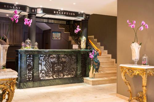 r gent contades bw premier collection h tel 8 avenue. Black Bedroom Furniture Sets. Home Design Ideas