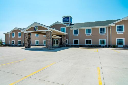 Cobblestone Hotel And Suites   Paxton