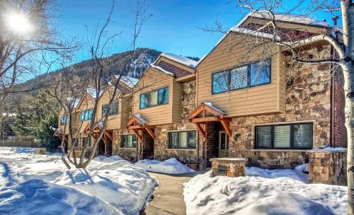 Downtown Aspen Condominiums - Aspen, CO 81611