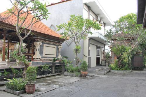 Airy Kuta Dewi Sartika Gang Nusa Indah 30 Bali