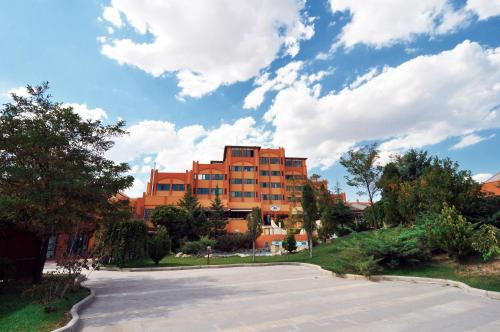 Ankara Patalya Lakeside Resort Hotel