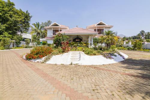 1 BR Boutique stay in Marayoor, Munnar (C63C), by GuestHouser (B&B)