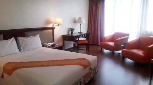 Tai Pan Hotel room photos