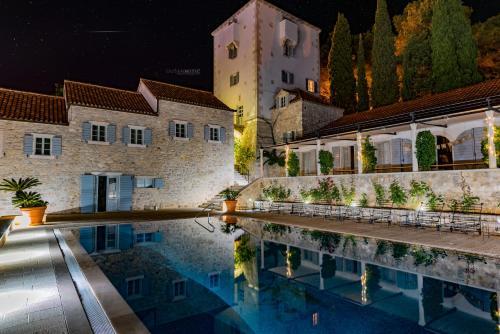 Put Sv. Nikole 51, Maslinica, Šolta Island, Croatia.