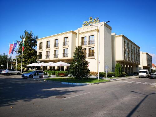 . Parish Hotel