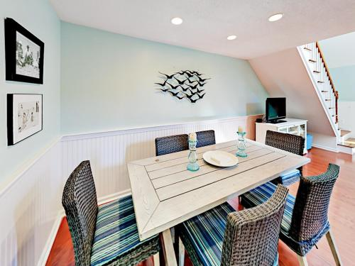 Cape Townhouse 11 Condo - Brewster, MA 02631